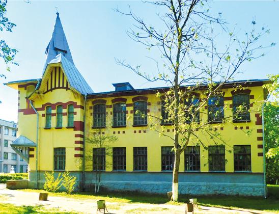 Административное здание земледельческого училища.
